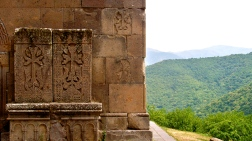 Goshavank Monastery, Khachkars